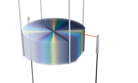 Detecting upper edge of glass/silicon wafers